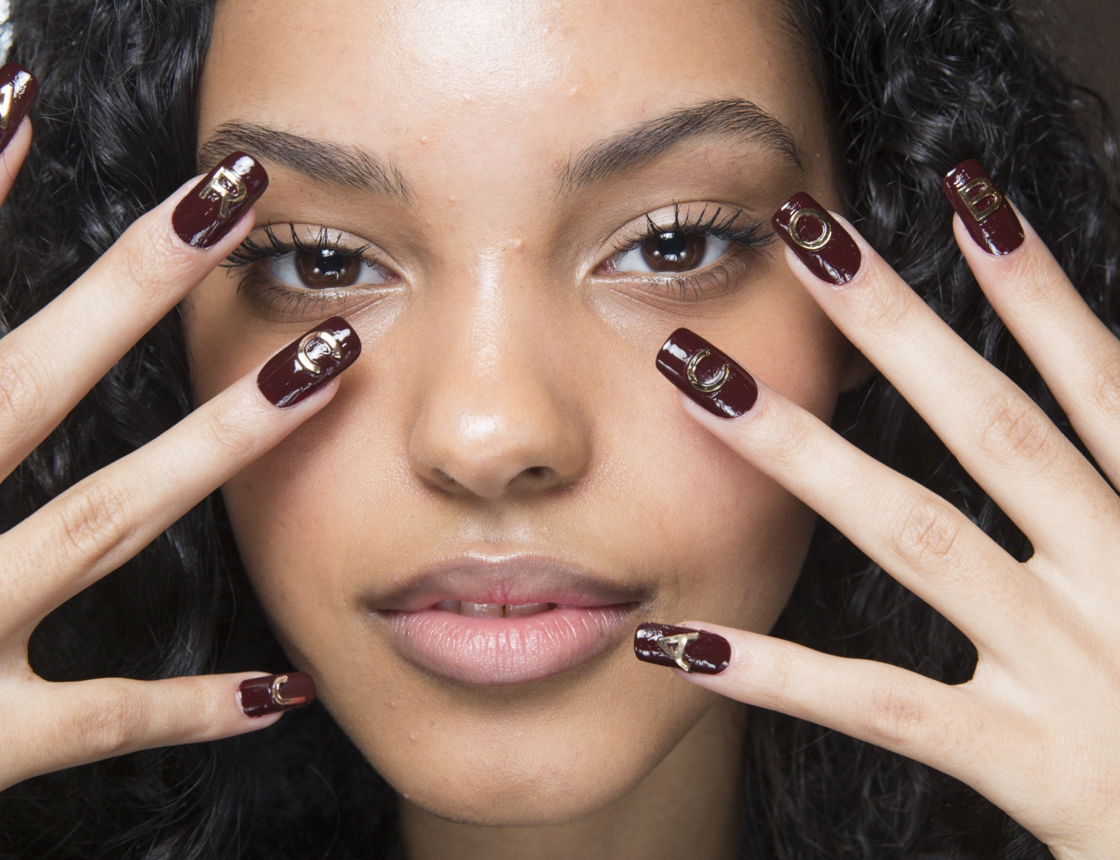20 De Modele De Unghii Cu Gel în Trend în 2018 Glamourro