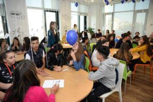 Atelierele Încrederii, o inițiativă educativă lansată de Always și Teach for Romania