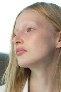 Patru uleiuri esențiale care îți pot irita pielea