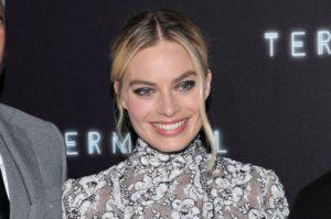 Makeup artistul lui Margot Robbie are un truc neașteptat pentru gene mai definite