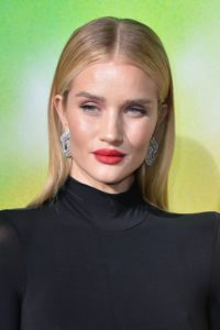 Supermodel Beauty: Rosie Huntington-Whiteley, despre machiaj și rutina de skincare