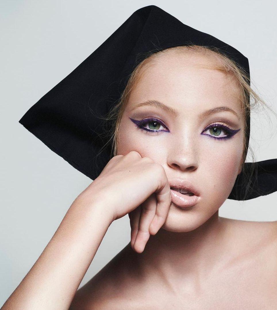 Lila Moss, fiica lui Kate Moss, este noua imagine a brandului Marc Jacobs Beauty