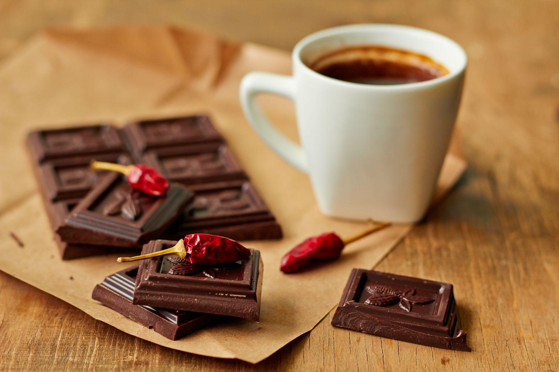Ciocolata cu chili este cea mai nouă inspirație pentru specialiștii în colorarea părului