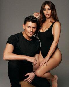 Make-up artistul lui Kim Kardashian are un truc perfect pentru aplicarea genelor false