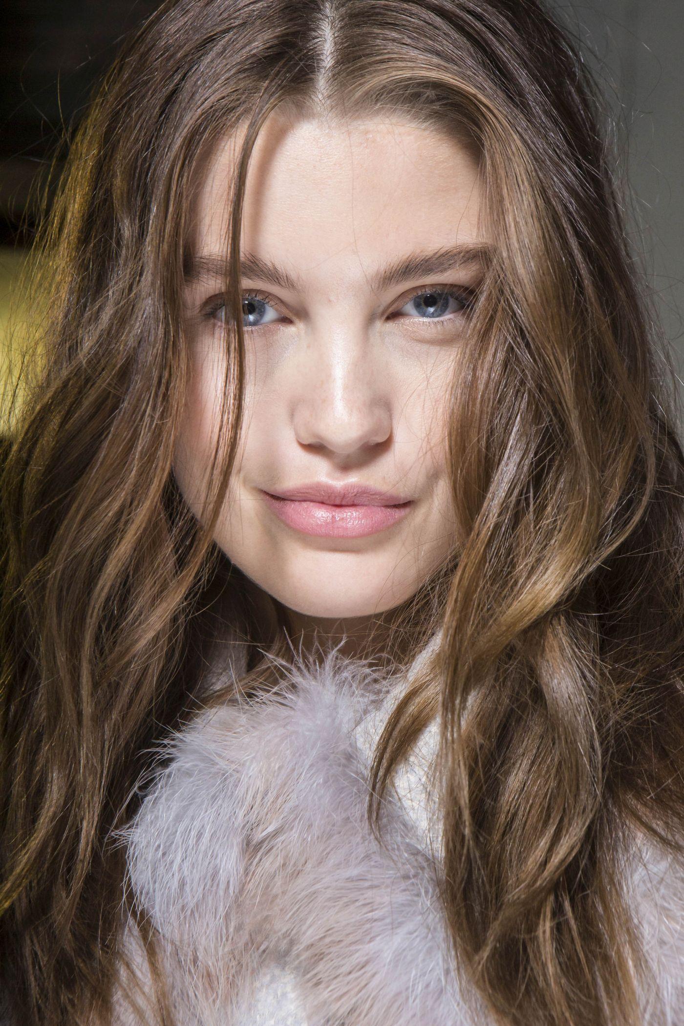 Beauty Alert: 7 produse noi de îngrijire a părului în luna noiembrie