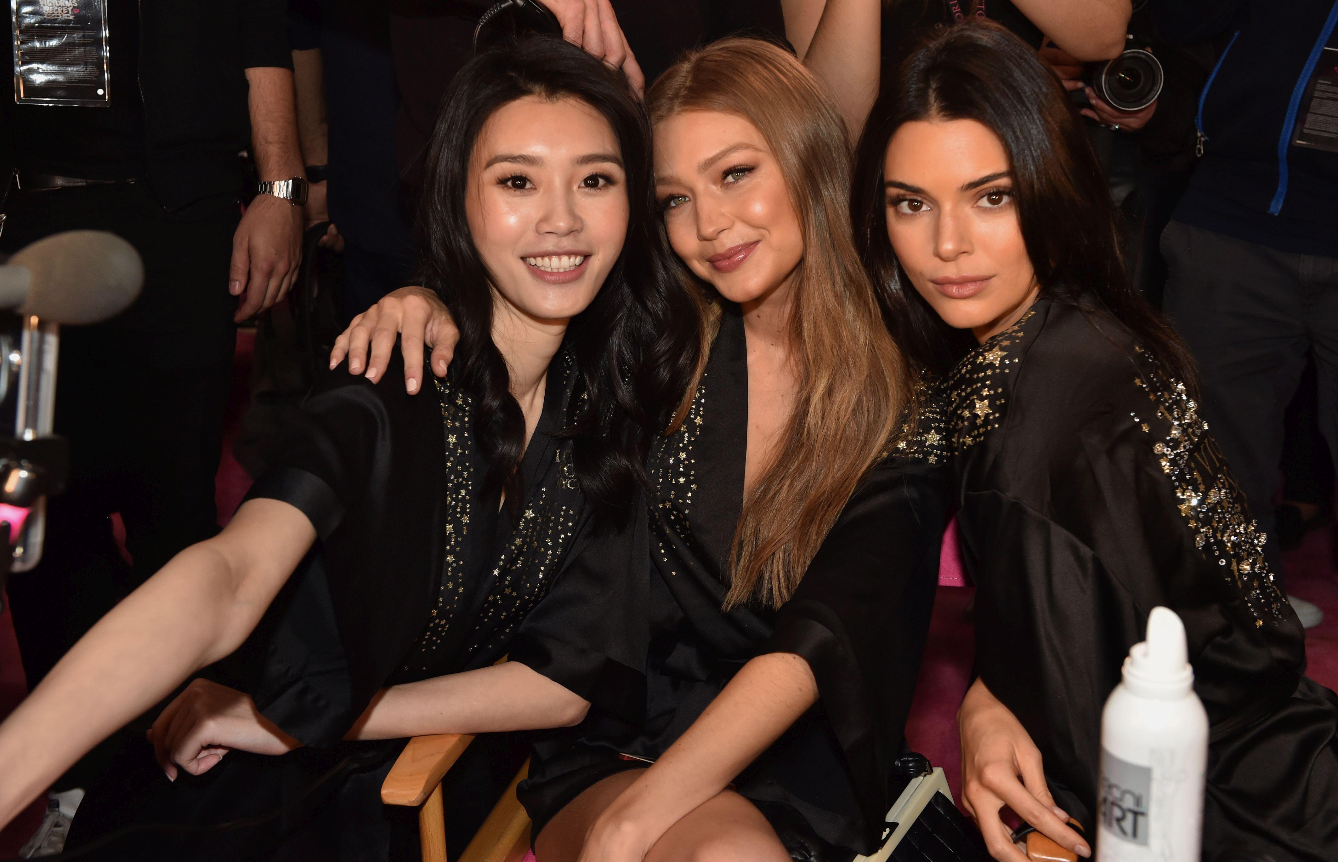 Backstage Victoria's Secret Fashion Show 2018