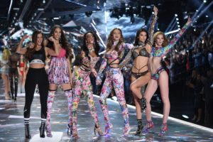 Cum a fost la Victoria's Secret Fashion Show 2018