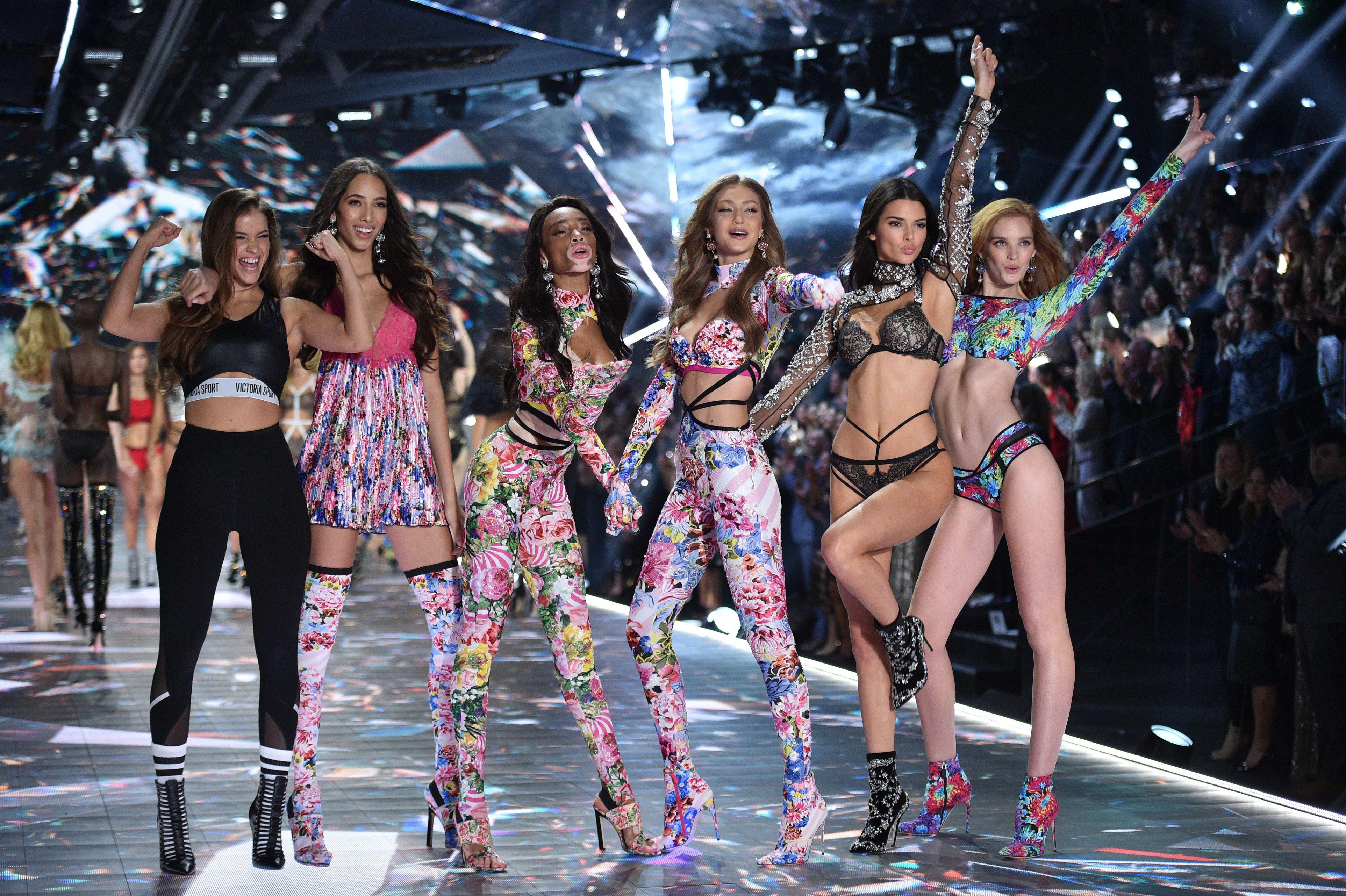 Cum a fost la Victoria's Secret Fashion Show 2018