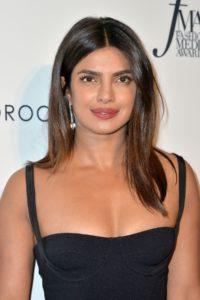 Tot ce trebuie să știi despre machiajul superb purtat de Priyanka Chopra la nuntă